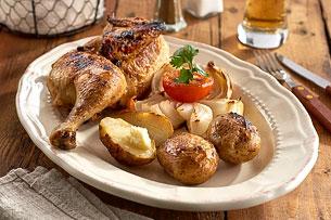 Hähnchen mit Ofenkartoffeln und Gemüse