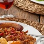 Paella und authentische venezolanische Hausmannskost neben Arepas, Cachapas & Co. …